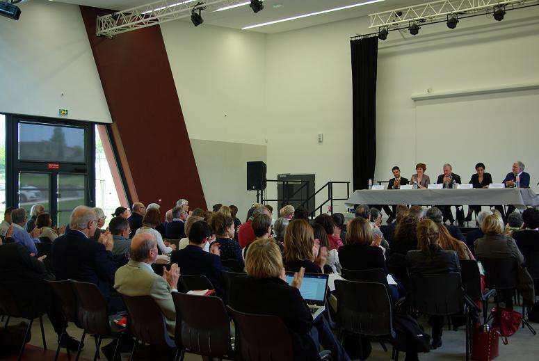 Discussion autour de la réunion de la médiation civile